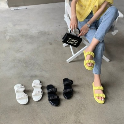 Fashion Solid Color Ruched Flat Slippers NSHU56621