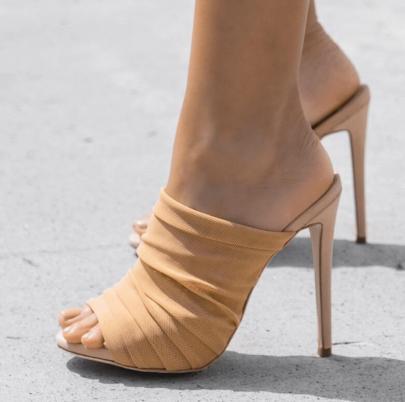 Breathable Wrinkled Mesh Wear Sandals NSSO59574