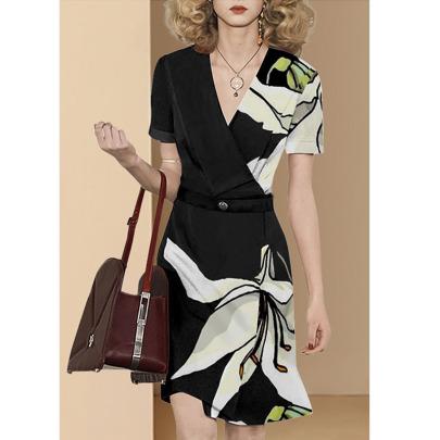 Short-sleeved Slim Temperament V-neck Printed Dress NSYIS55511