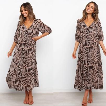 V-neck Mid-sleeve Loose And Large Print Dress NSXMI62537