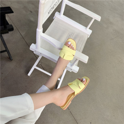 Square Open Toe Flat Soft Leather Soft Bottom Sandals NSHU61111